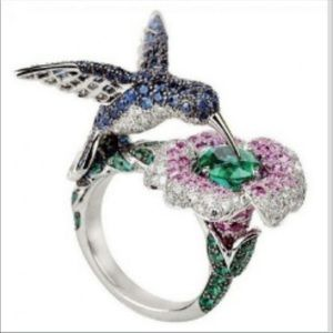 Jewelry - Gorgeous Humming Bird Ring